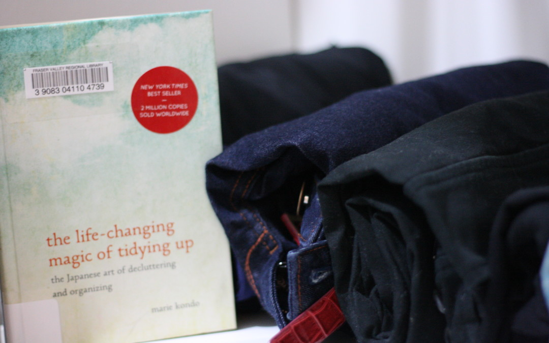 The Life-Changing Magic of Tidying Up {Bookshelf}